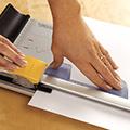 Paperileikkuri giljotiini A4 ja laadukas vipuleikkuri Dahle A3 tarjous hinta toimistoon, hyvät paperileikkurit ja rullaleikkurit sekä giljotiinit ammattikäyttöön myös askarteluleikkurit Fiskars