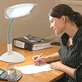 LED työpistevalaisin pöytävalaisin ja työpöytävalaisin led polttimoilla valaisin työpöydälle tai työpisteeseen led työpöytävalaisin