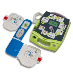 7693886 Defibrillaattori Zoll AED Plus on kestävä ja varmatoiminen sydämen käynnistin. Defibrillaattori on suunniteltu turvalliseksi ja maallikon käytettäväksi hätätilanteissa. Toimitamme defibrillaattorin ilman rahtikuluja.